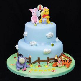 Winnie the pooh designer cake