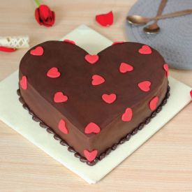 choco truffle cake Heart shape
