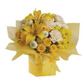 Mixed flowers arrangements