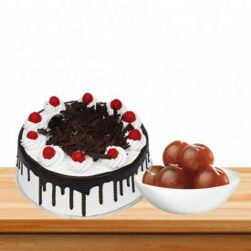 Black Forest Cake With Loose Gulalb Jamun
