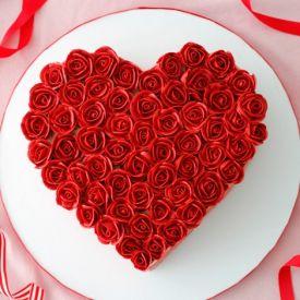 Heart shaped flower design Cake