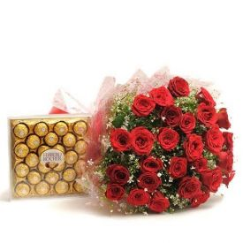Bunch of 30 red roses and 24 pcs ferraro rocher