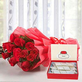 Bunch of 30 Red Roses With Sweets