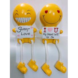 Couple emoji statue