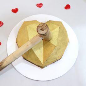 Pinata Cakes