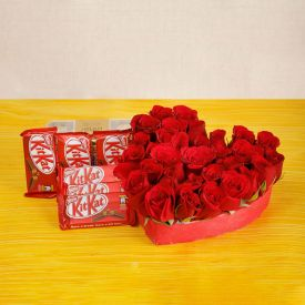 Roses Heart With Kit-Kat