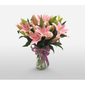 5 Pink lily in Vase