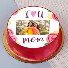 Round Strawberry Cake