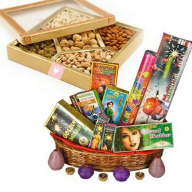 500 gms Dry fruits with Crackers