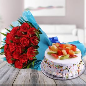 Red Roses With Fruit Cake