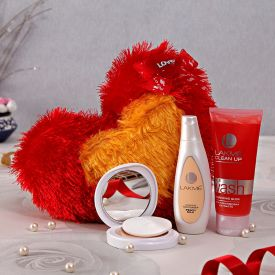 Fur Heart With Lakme Facewash Moisturizer And Compact