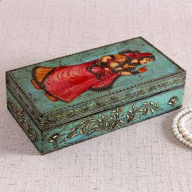 Wonderful Vanity : Wooden Jewelery Box