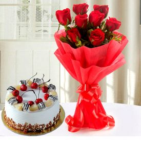Red Rose With Pineapple Cake