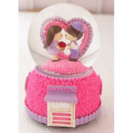 Valentine Gifts Snow Globe Cute Couple