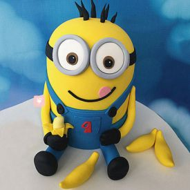 Minion with Bananas Cake