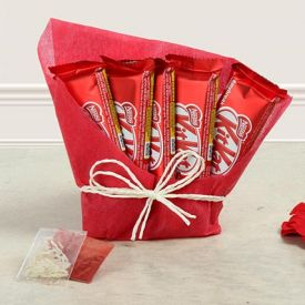 exquisite hamper of kitkat