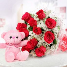Teddy bear with rose