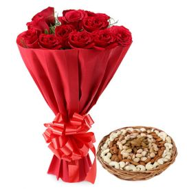 Red rose with dry fruits