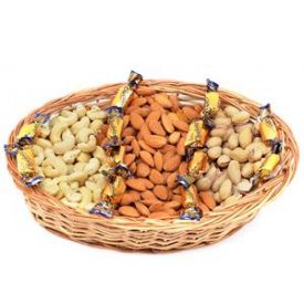 Mixed dry fruits with  eclairs