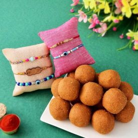 Besan Laddu With 5 Sets of Rakhi