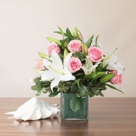 Roses With lilies With Vase