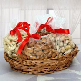 Basket Of 2 Kg Dry Fruits