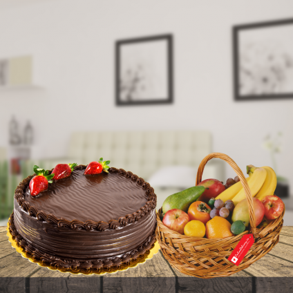 chocolate cake with mix fruit