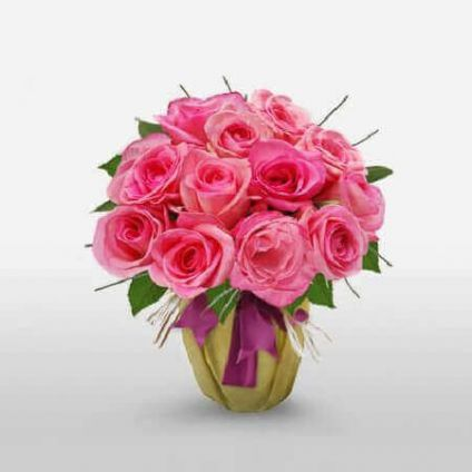 18 Pink roses with vase