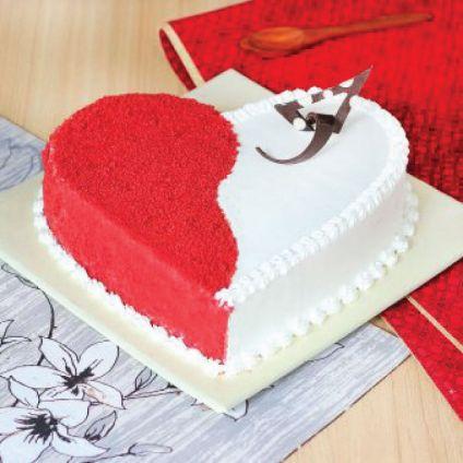 Vanilla Red Velvet Cake