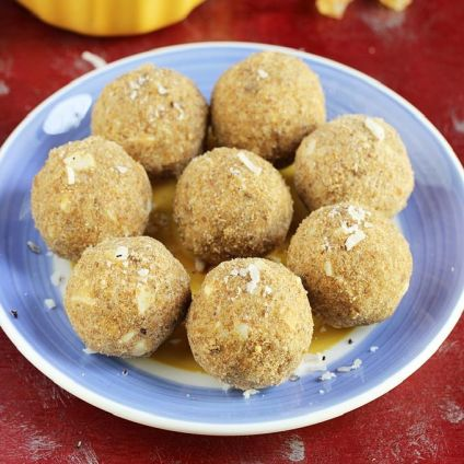 Gondh Laddu With Box