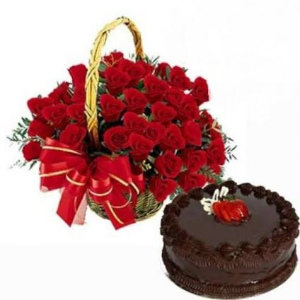 Cake with Red Roses In Basket