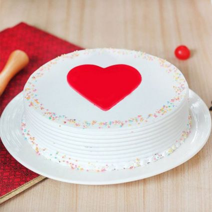 Vanilla Cake with fondant heart