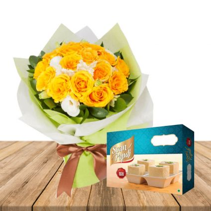 Soan papdi With Yellow & White Roses