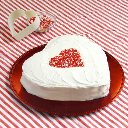 1 kg Sumptuous Heart Vanilla Cake