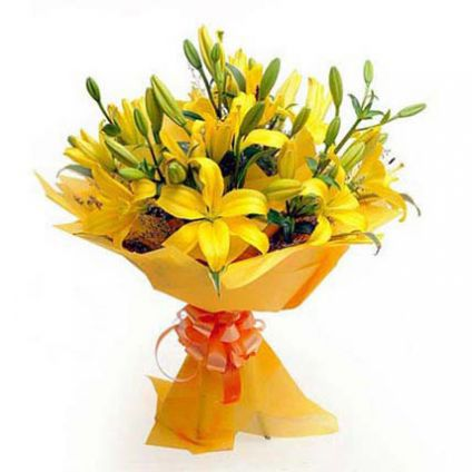 Bunch of 20 yellow Asiatic lilies