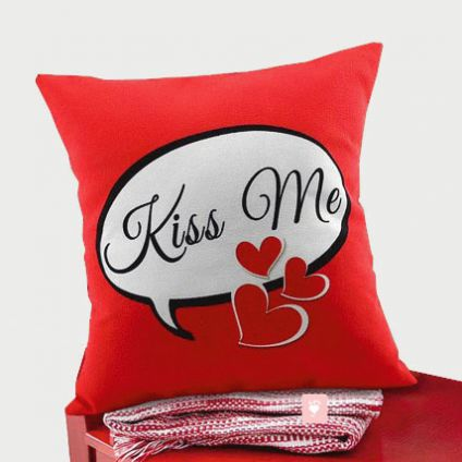Kiss Me Cushion with filler