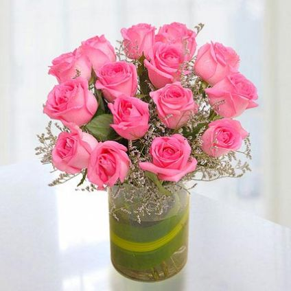 15 fresh pink roses with vase