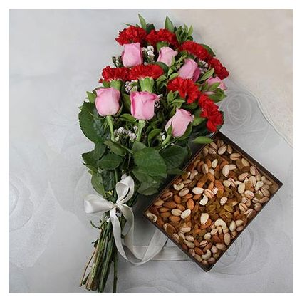 Bunch of 20 Mix Flowers with Assorted 500gm Dry Fruits