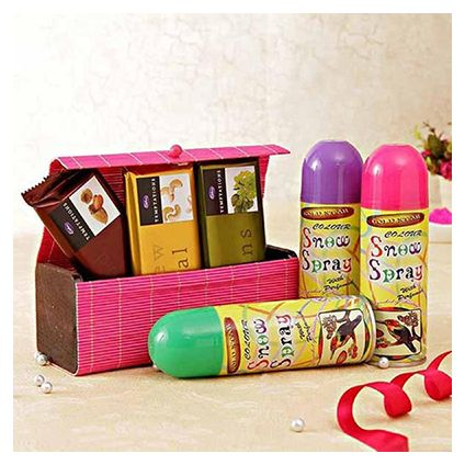 3 Temptation in box with Holi color Spray