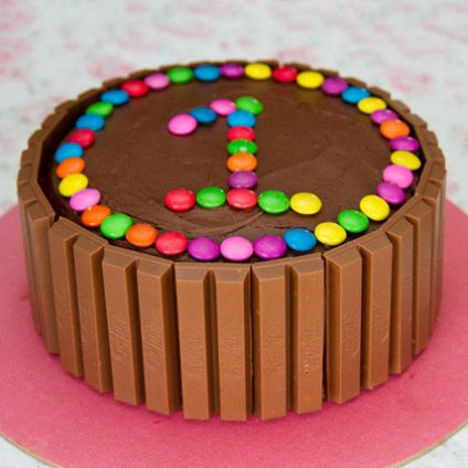 Kit Kat Gems Chocolates Cake