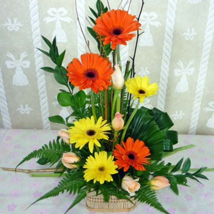Lovely Arrangements In Basket