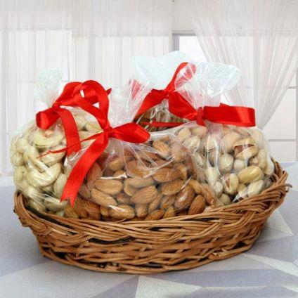 Basket Of 2 Kg Dry Fruits