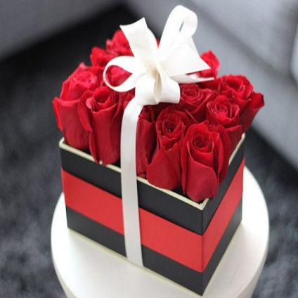 Red Roses Arrangment in Box