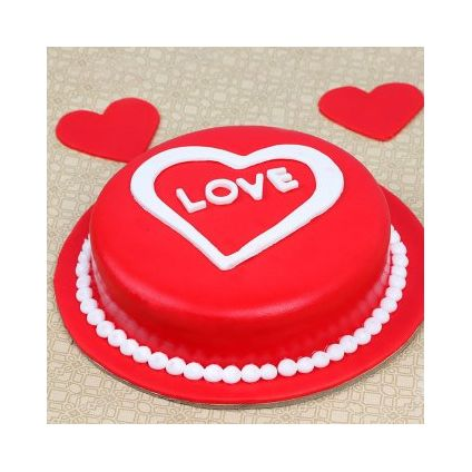 Love Valentine Cake