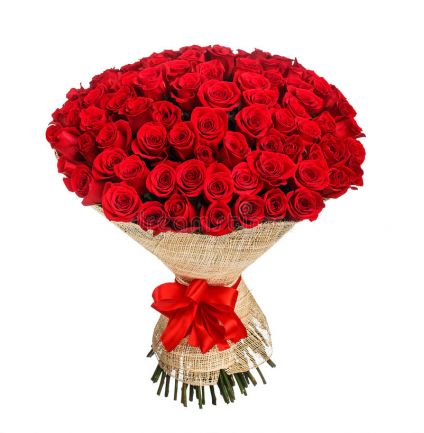 Red roses arrangements