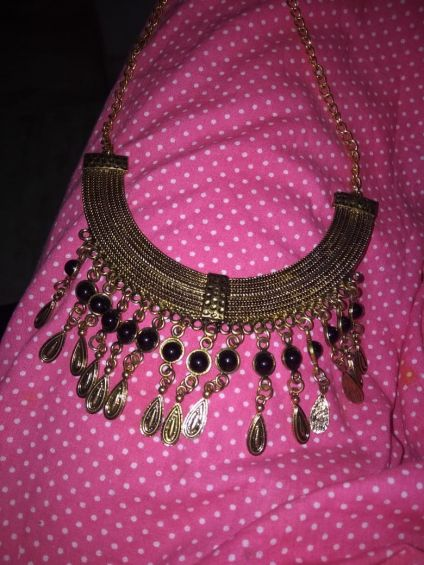 Gold style necklace